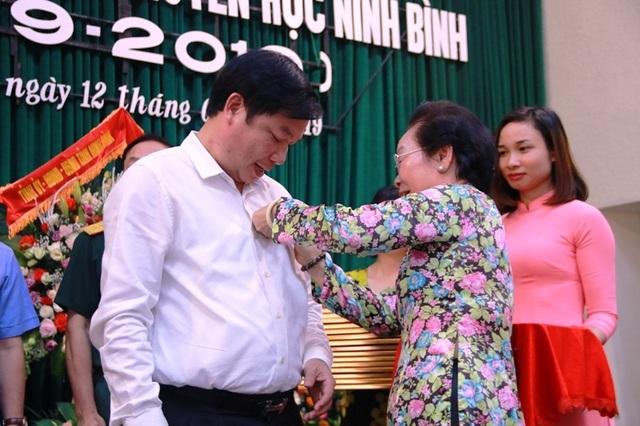 Hội Khuyến học Ninh Bình long trọng kỷ niệm 20 năm thành lập - 6