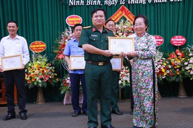 Hội Khuyến học Ninh Bình long trọng kỷ niệm 20 năm thành lập - 7