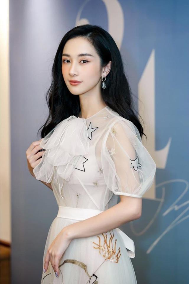 Hot girl Jun Vũ khoe tậu xe sang 2 tỉ đồng mừng sinh nhật tuổi 24 - 5