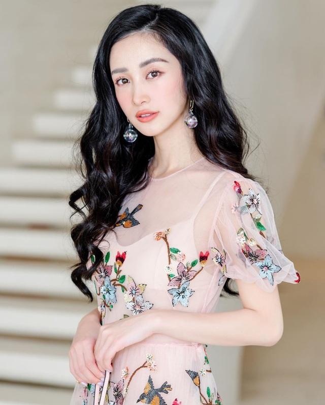 Hot girl Jun Vũ khoe tậu xe sang 2 tỉ đồng mừng sinh nhật tuổi 24 - 3
