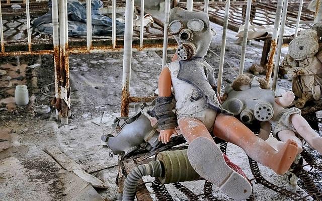 """Khoe thân phản cảm ở """"vùng đất chết"""" - 4"""