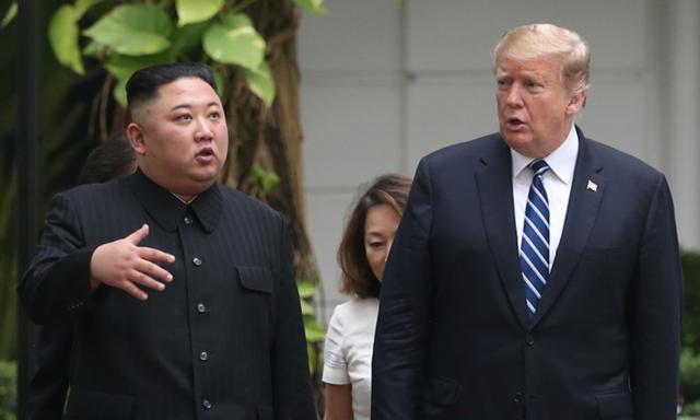 """Tổng thống Trump khoe nhận thư """"ấm áp"""" từ ông Kim Jong-un - 1"""