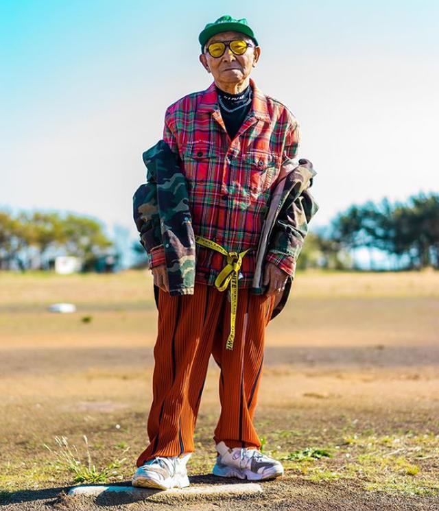Dân mạng lên cơn sốt với cụ ông 84 tuổi mặc chất hơn cả thanh niên - 4