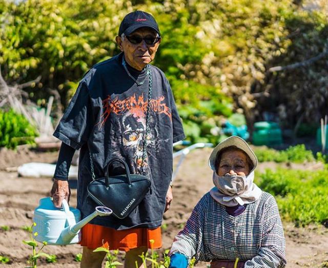Dân mạng lên cơn sốt với cụ ông 84 tuổi mặc chất hơn cả thanh niên - 8