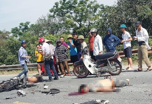 Hai thanh niên tử nạn sau cú đối đầu với xe ben  - 1