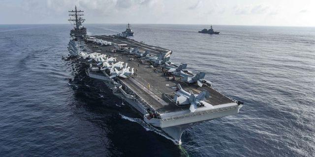 Tàu sân bay Mỹ tập trận chung với tàu chiến Nhật Bản trên Biển Đông - 1