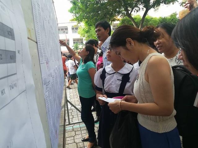 Sáng nay, học sinh TPHCM tranh suất 7 rớt, 1 đỗ vào lớp 6 chuyên Trần Đại Nghĩa - 1