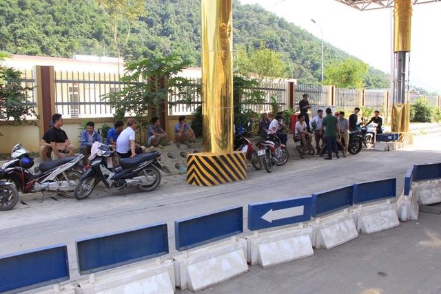 Hòa Bình báo cáo Thủ tướng tình hình phức tạp tại trạm BOT Hòa Lạc - Hòa Bình - 3