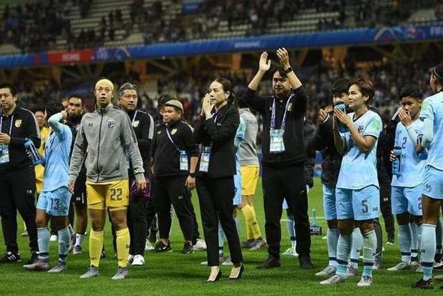 Nữ Thái Lan thua thảm 0-13, trưởng đoàn lên tiếng xin lỗi - 1