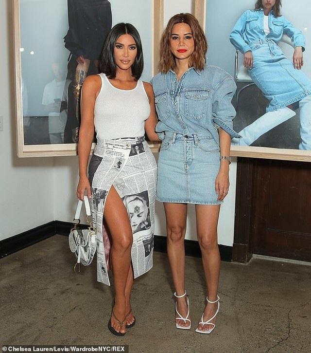 Kim Kardashian trẻ trung với tóc ngắn - 3