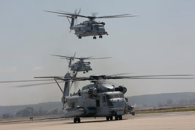 """Hơn 40 trực thăng quân sự Mỹ phô diễn uy lực trong tập trận """"Voi đi bộ"""" - 7"""