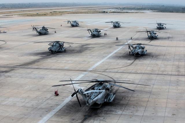 """Hơn 40 trực thăng quân sự Mỹ phô diễn uy lực trong tập trận """"Voi đi bộ"""" - 5"""