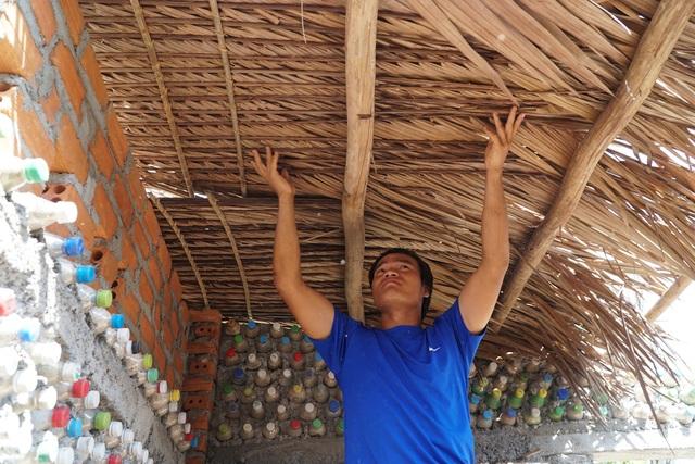 Quảng Ngãi: Độc đáo homestay làm từ 6.000 vỏ chai nhựa - 4