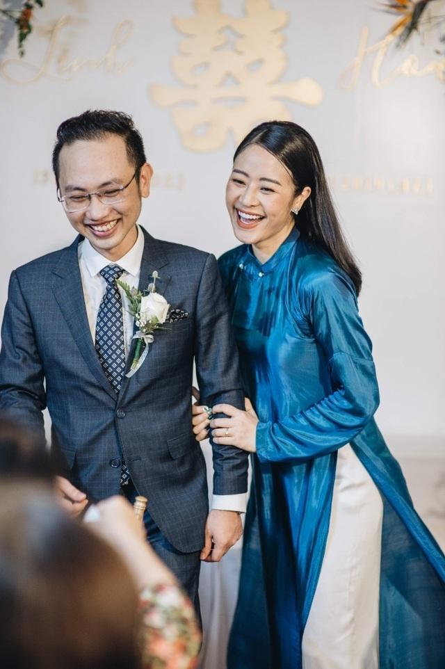 Tiết lộ hình ảnh lễ ăn hỏi của cặp đôi trai tài - gái đẹp của VTV - 1