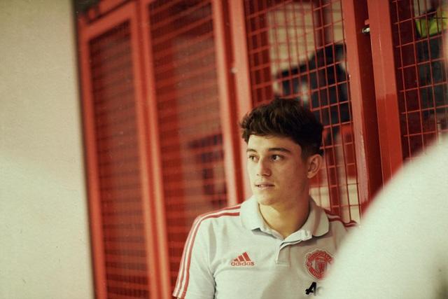 Những hình ảnh đầu tiên của tân binh Daniel James tại Man Utd - 15