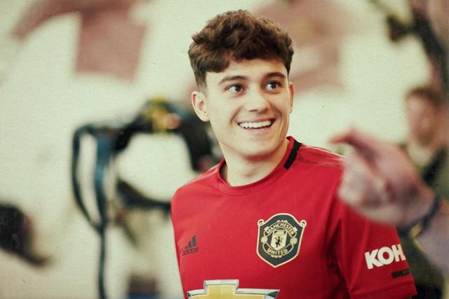 Những hình ảnh đầu tiên của tân binh Daniel James tại Man Utd - 10