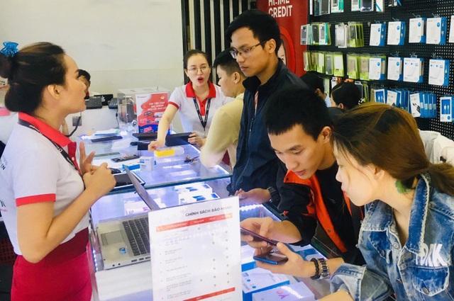 smartphone-cao-cap-giam-gia-manhdocx-1560394705386.jpeg