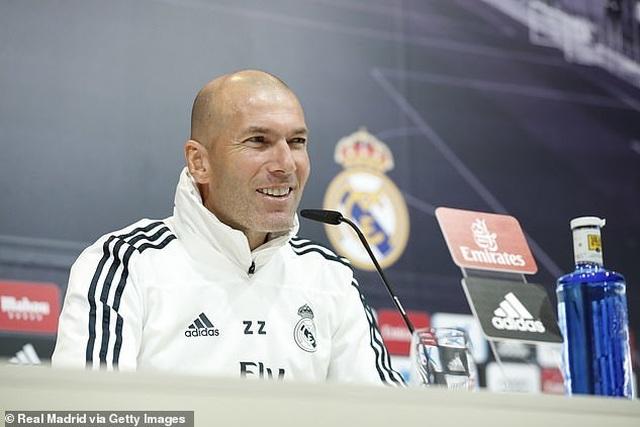 Eden Hazard rạng rỡ ra mắt 50.000 cổ động viên Real Madrid - 18