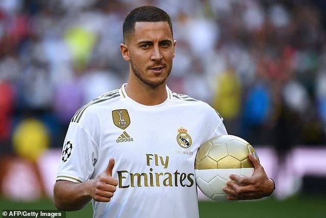 Eden Hazard rạng rỡ ra mắt 50.000 cổ động viên Real Madrid - 13