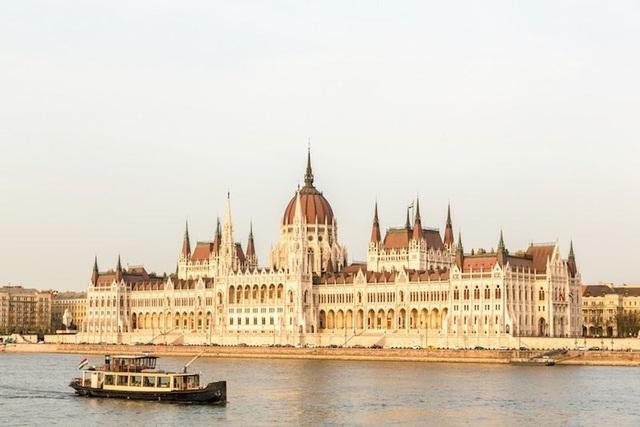 15 thành phố xinh đẹp nhất châu Âu - 7
