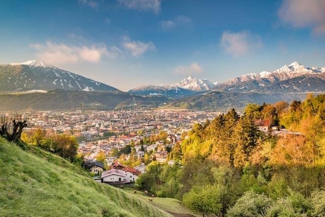 15 thành phố xinh đẹp nhất châu Âu - 9