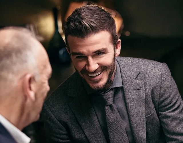 Clip chuyện trò ấm áp giữa David Beckham và cha - 1