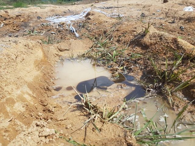Hình ảnh hiện trường vụ rơi máy bay quân sự khiến 2 phi công hi sinh - 9