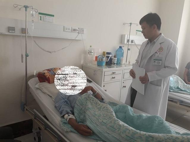 Phẫu thuật lấy nhiều viên hạch to như viên bi khỏi dương vật bệnh nhân - 1