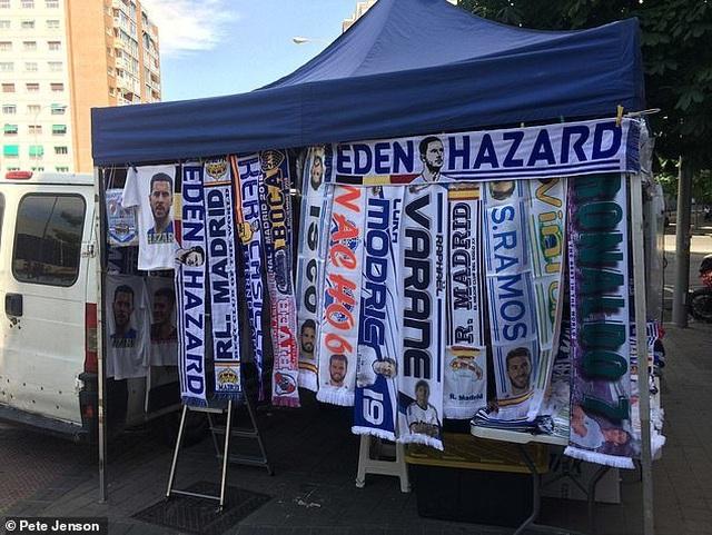 Eden Hazard rạng rỡ ra mắt 50.000 cổ động viên Real Madrid - 5