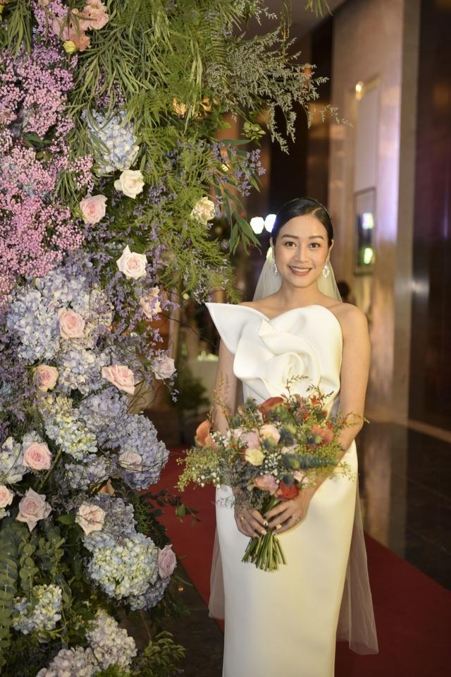 Dàn BTV VTV cùng Tuấn Hưng, Lê Hiếu, Khắc Việt chúc mừng đám cưới Phí Linh - 2
