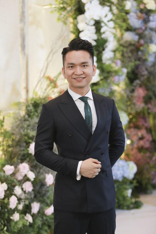 Dàn BTV VTV cùng Tuấn Hưng, Lê Hiếu, Khắc Việt chúc mừng đám cưới Phí Linh - 9