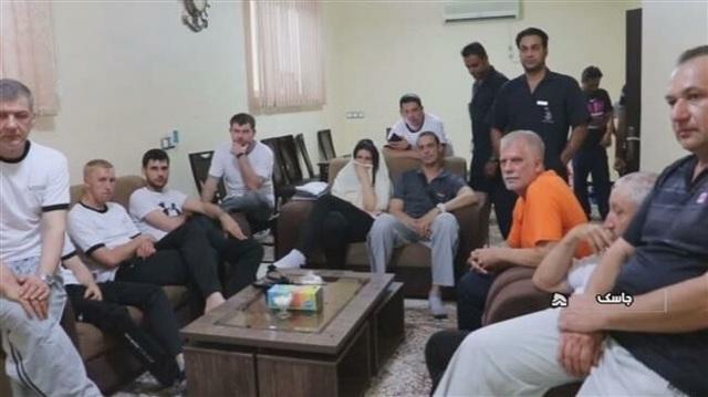 Đáp trả Mỹ, Iran công bố hình ảnh thủy thủ tàu dầu được giải cứu