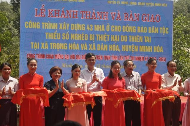 Quảng Bình: 43 hộ đồng bào dân tộc thiểu số vui mừng đón nhận nhà ở mới - 1
