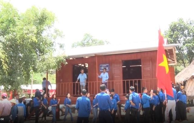 Quảng Bình: 43 hộ đồng bào dân tộc thiểu số vui mừng đón nhận nhà ở mới - 2