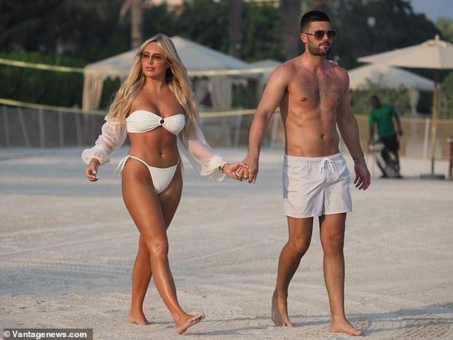Amber Turner tình tứ bên bạn trai trên bãi biển Dubai - 8
