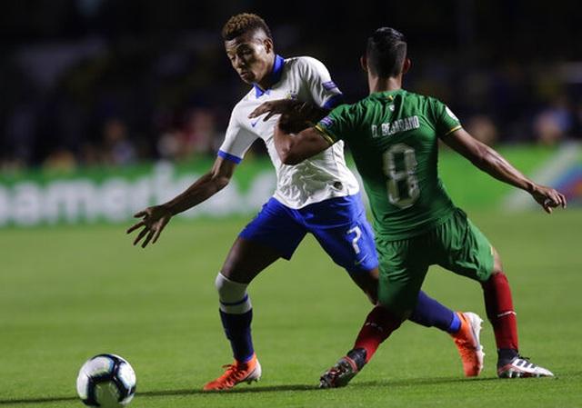 Brazil 3-0 Bolivia: Coutinho lập cú đúp, siêu phẩm của Everton - 3