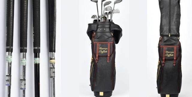 Bộ gậy golf gồm 14 chiếc từng được sở hữu bởi tỷ phú Warren Buffett. (Nguồn: RR Auction)
