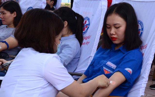 Quảng Ngãi:   Chương trình Hành trình đỏ vận động 600 đơn vị máu - 1