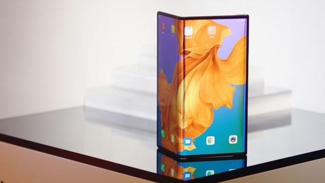 Sau Samsung, đến lượt Huawei hoãn bán smartphone màn hình gập Mate X - 1