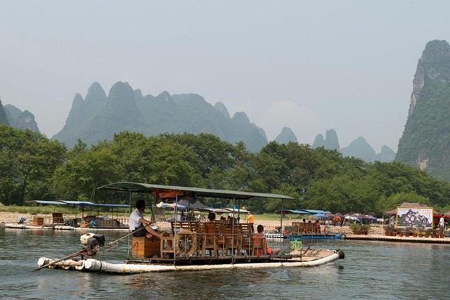 Hướng dẫn viên chèo kéo, nài ép khách du lịch mua đồ tiêu tốn gần 70 triệu đồng - 1