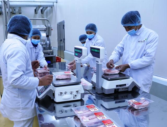 """Sản phẩm đang """"chiếm sóng"""" thị trường Thủ đô hiện nay: Thịt mát công nghệ Châu Âu - 2"""