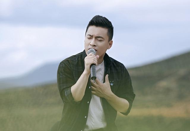 """Nhân """"Ngày của cha"""", ca sĩ Lam Trường tiết lộ lý do ba cấm đi hát - 1"""