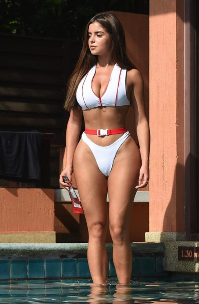 Ngỡ ngàng với hình ảnh bikini của loạt sao nữ - 5