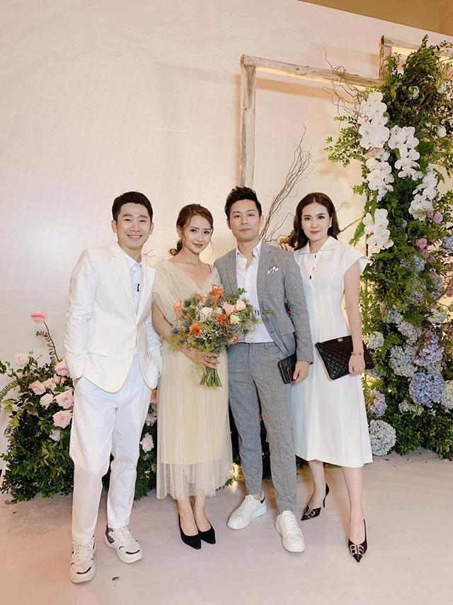 """Ca sĩ Phương Linh, Uyên Linh, MC Mù Tạt VTV thi nhau """"than"""" """"mót cưới"""" - 9"""