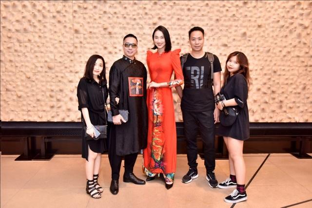 Áo dài Việt Nam nổi bật tại Tuần lễ ASEAN 2019 - 1