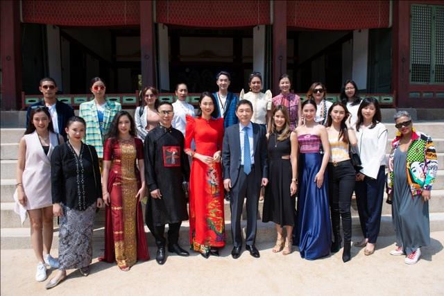 Áo dài Việt Nam nổi bật tại Tuần lễ ASEAN 2019 - 3