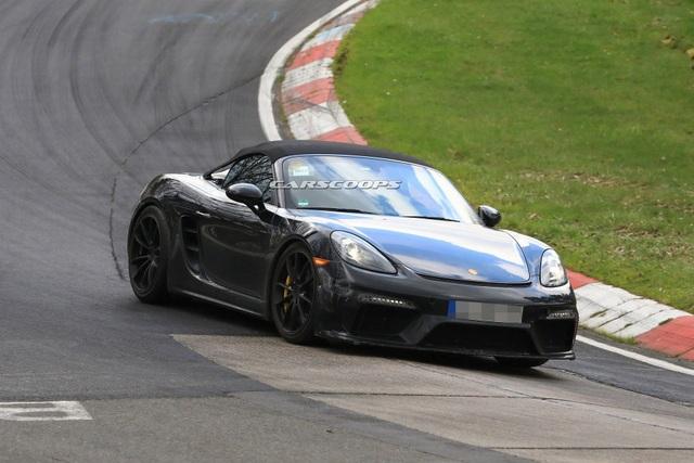 Porsche hé lộ hình ảnh mẫu xe thể thao mui trần mới - 4