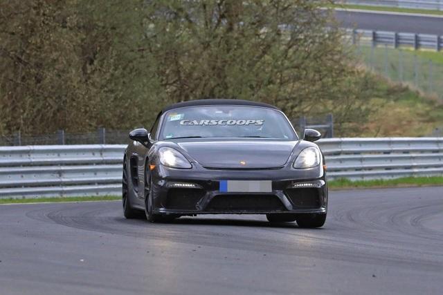 Porsche hé lộ hình ảnh mẫu xe thể thao mui trần mới - 2