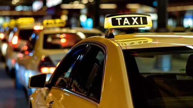 Taxi công nghệ phải gắn hộp đèn để đảm bảo cạnh tranh lành mạnh - 1