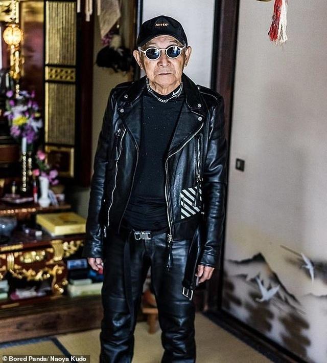 """Ông cụ 84 tuổi gây sốt trên mạng xã hội vì phong cách thời trang """"độc, lạ"""" - 3"""